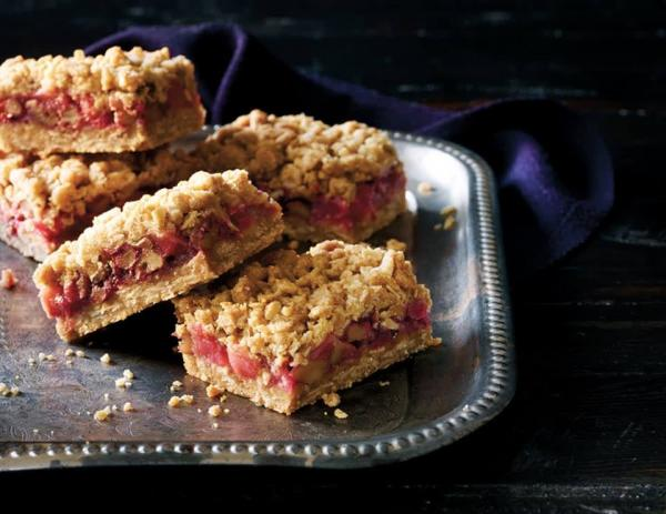 梨蔓越莓方糕(Pear and Cranberry Squares)